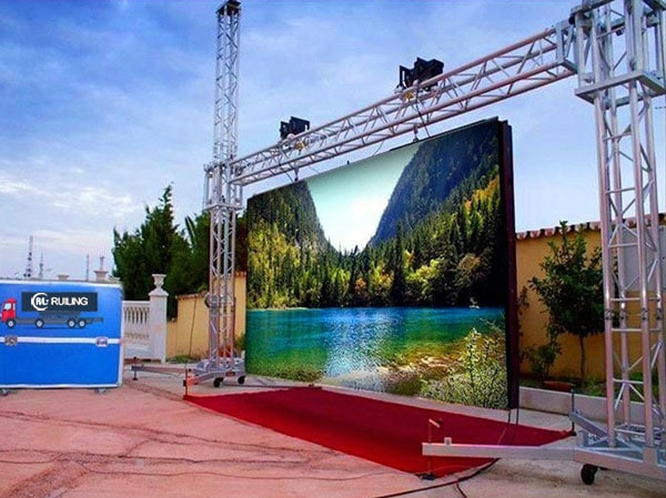 What is tendency for Outdoor LED Video Wall?
